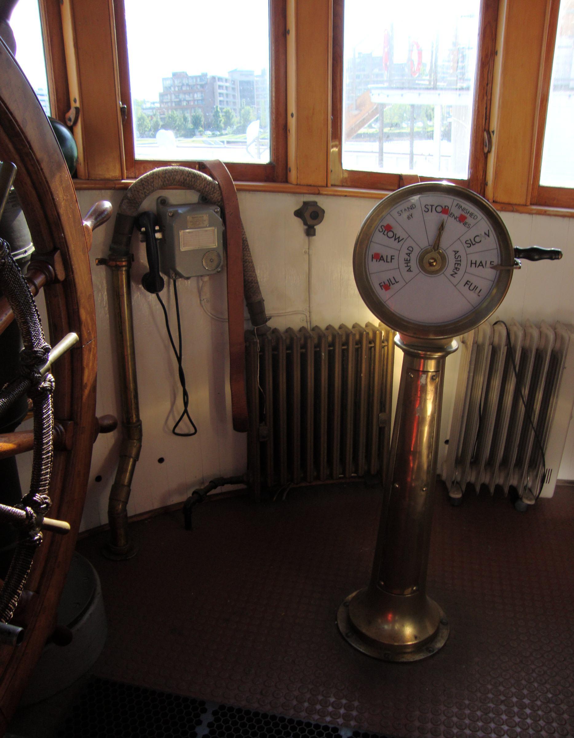 Army Tug Engine Room: The Arthur Foss Leaves The Dock